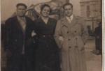 Abuelo Pedro, la tia Carmen y mi papá Miguel Clemente en el Puerto de Barcelona