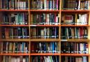 Estante con libros