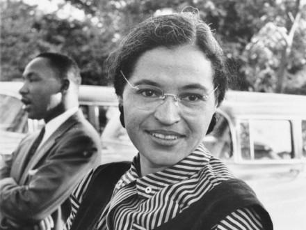Fotografía de Rosa Parks con Martin Luther King jr. (aprox. 1955).