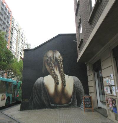 mujer_grafiti_sitio