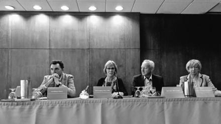 De derecha a izquierda, Johanna Fawkes, Jean Valin, Anne Gregory y yo mismo en el panel que presentó el Global Capabilities Frameworrk