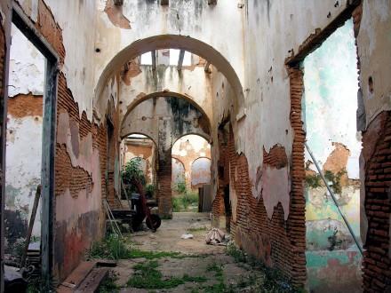 abandoned-1206402_1920