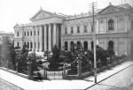 Edificio del Congreso Nacional. Santiago. Ubicado entre Catedral, Bandera, Compañía y Morandé. Fuente: Memoria chilena