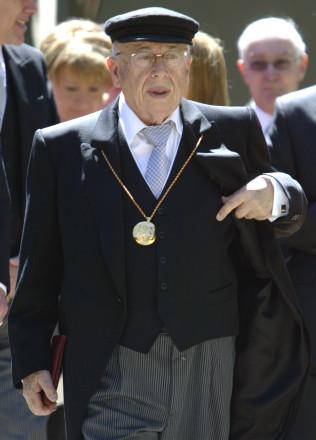 Gonzalo Rojas recibe el Premio Cervantes el Fotografía de Sergio Perez.