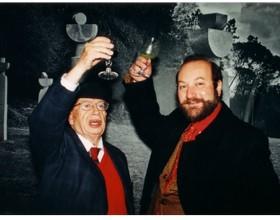 Gonzalo Rojas y Theodoro Elssaca elevan sus copas celebratorias. Portugal 2006.