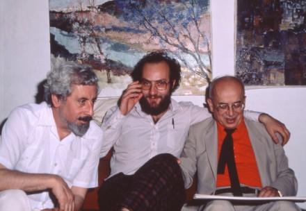 Pepe de Rokha, Theodoro Elssaca, Gonzalo Rojas en un tertulia del Taller de las Artes. Madrid, 1985.